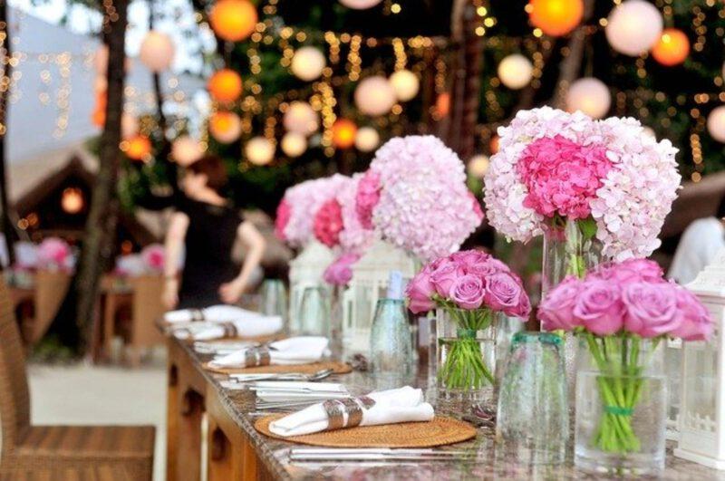 Sposoby na udekorowanie stołu weselnego