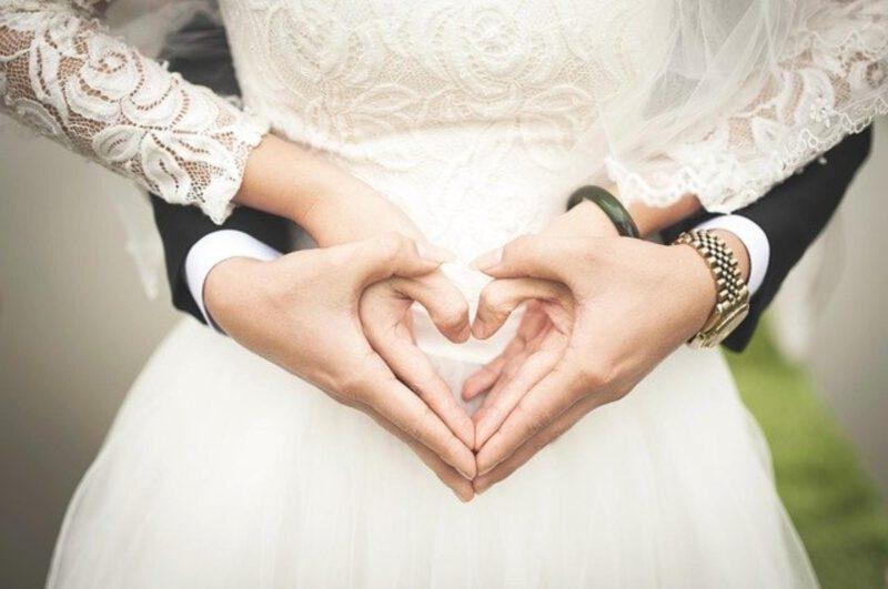 Ślub dla młodej pary