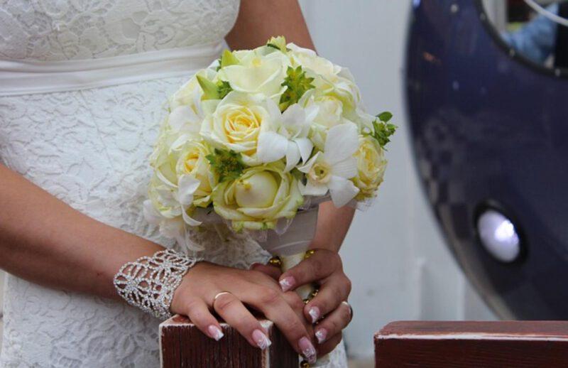 Jaki manicure na ślub?